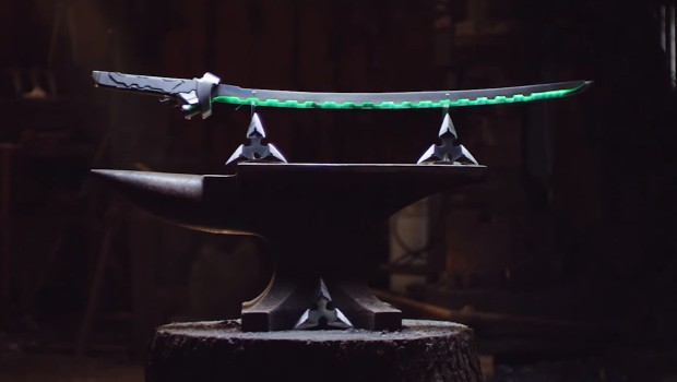 Genji's Katana and Shurikens from Overwatch turned into real-life weapons