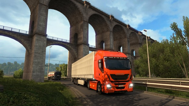 Viva la France DLC for Euro Truck Simulator 2 screenshot showing off an ancient bridge