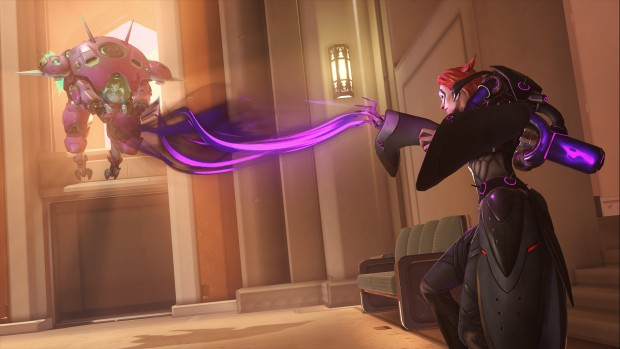 Overwatch screenshot of Moira using life-leech