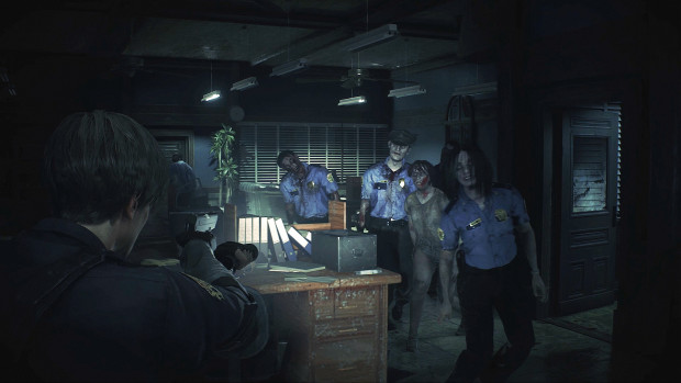 Resident Evil 2 screenshot of a massive zombie attack