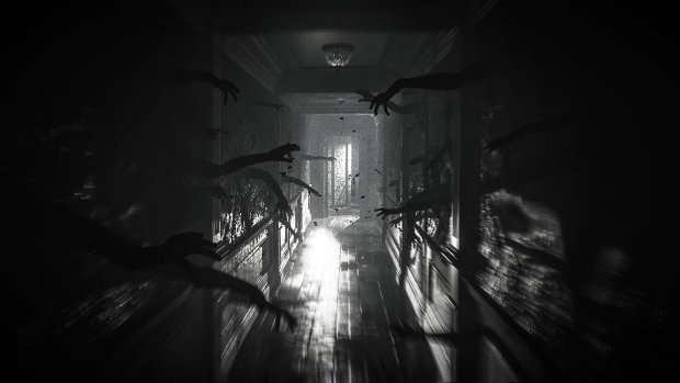 Layers of Fear 2 screenshot of a hallway filled with grasping arms